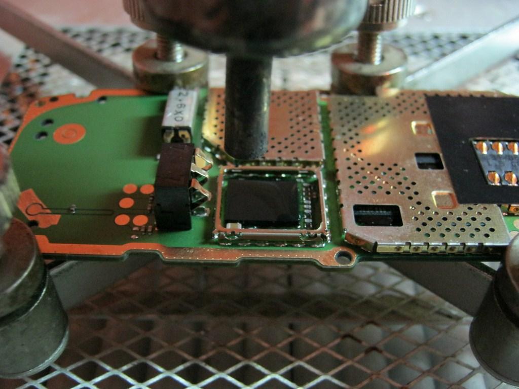 микросхема и фен