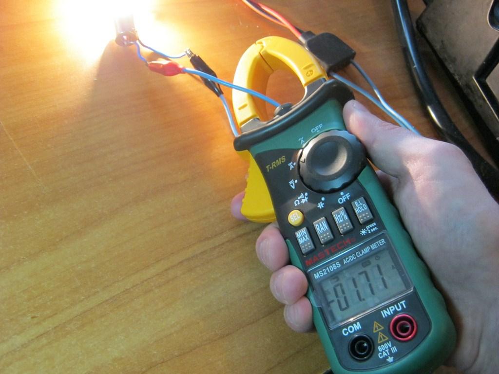 токовые клещи как измерять силу тока