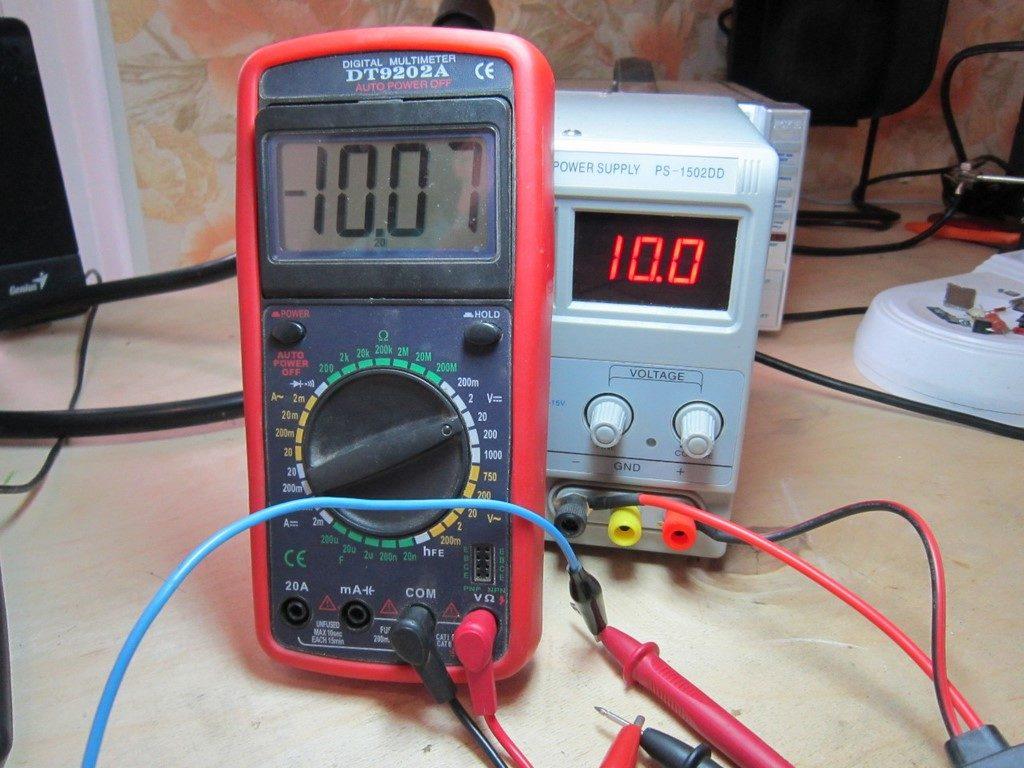 измеряем отрицательное напряжение с помощью мультиметра