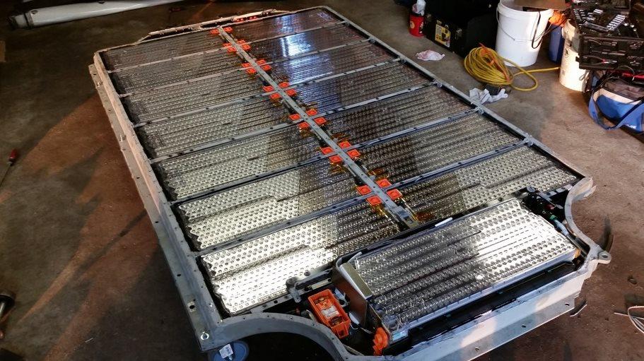 батарея от автомобиля тесла