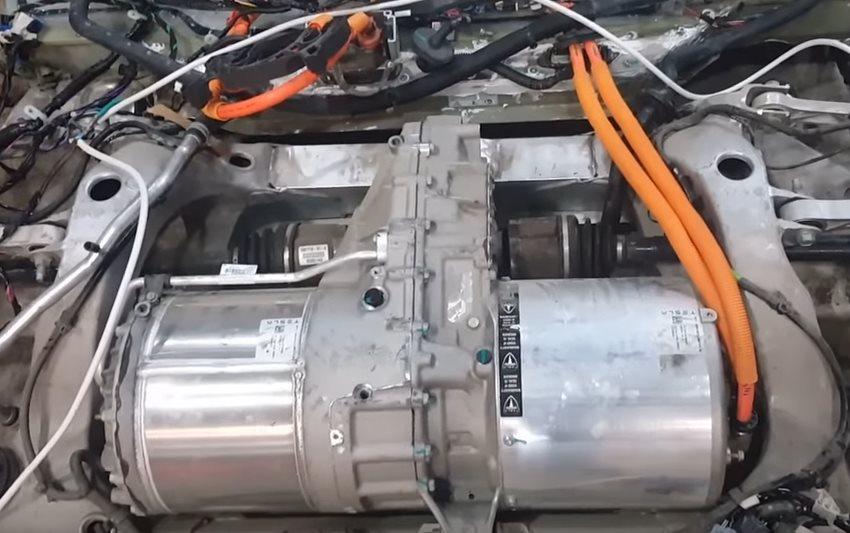 инвертор и двигатель автомобиль тесла